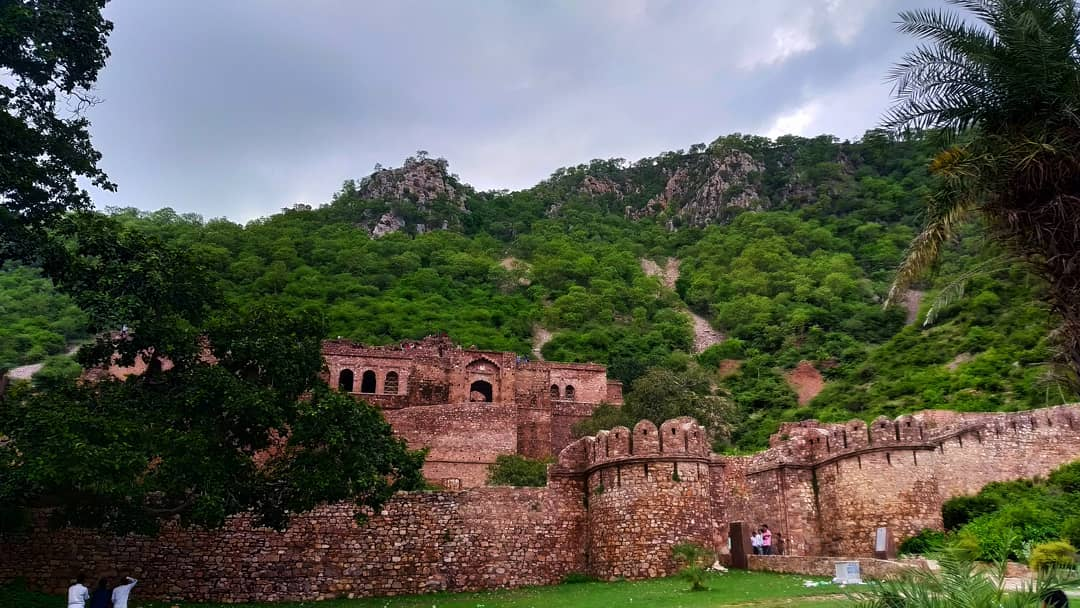 Structure Of Bhangarh Fort