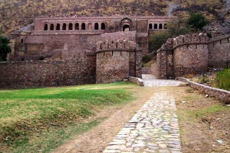 Haunting Past Of Bhangarh Fort