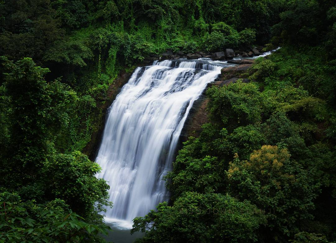 Vihigaon Waterfall