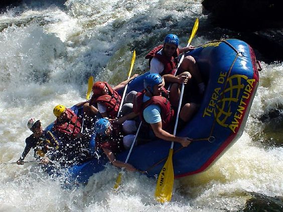 Do River Rafting On River Teesta