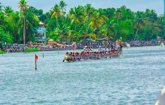 Nehru Trophy Boat Race best time to visit munnar